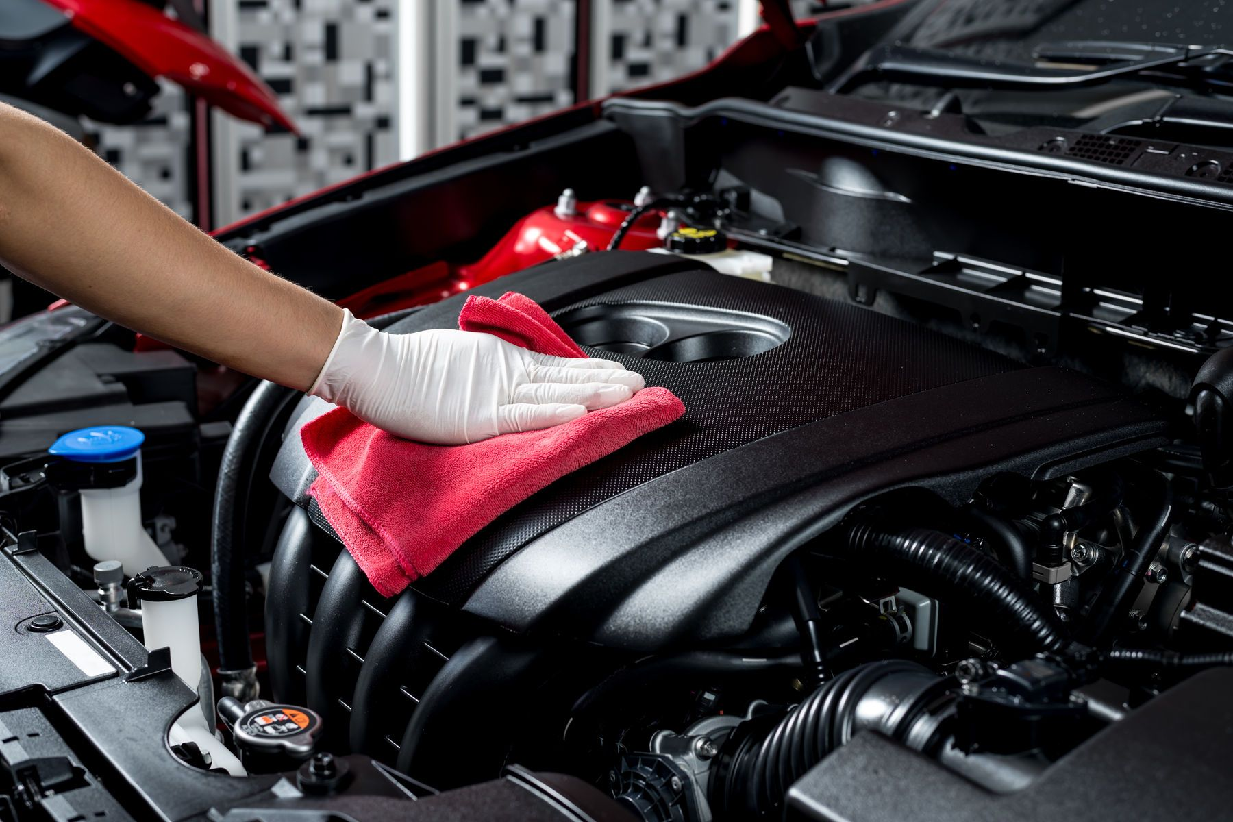 Nettoyer moteur voiture